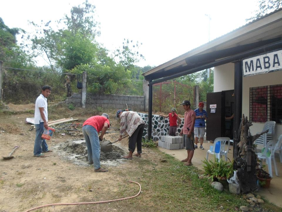Building of wash and drinking area for the kids in Pilawan Elementary School