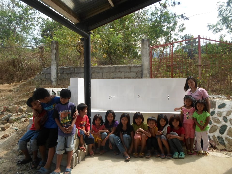 The grateful children of Pilawan School